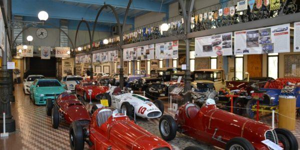 Un paradiso di Parmigiano e auto d'epoca: benvenuti nel 'ranch' dei Panini a Modena