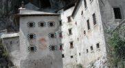 Castello di Predjama_4